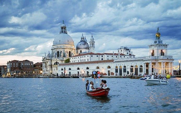 טיול בונציה