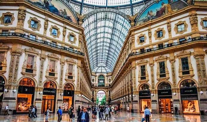 טיול בעיר מילאנו