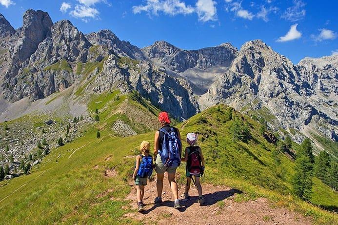 טיול הליכה בדולומיטים עם הילדים