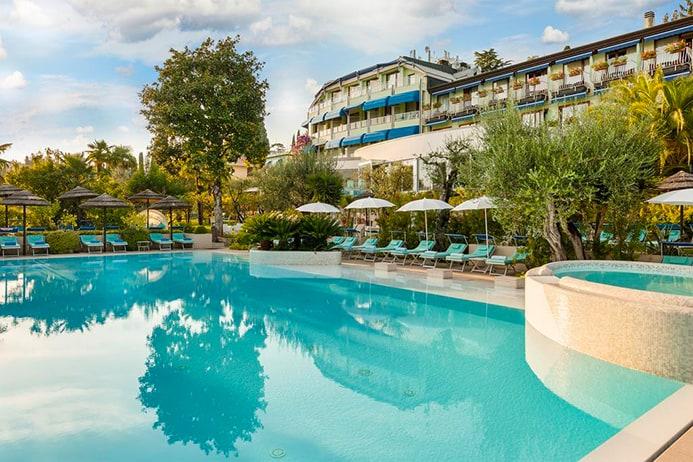 בית מלון בסירמיונה